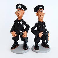 Глиняная статуэтка. Новый полицейский.