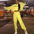 Женский трикотажный спортивный костюм с укороченным свободным худи 65spt763, фото 2
