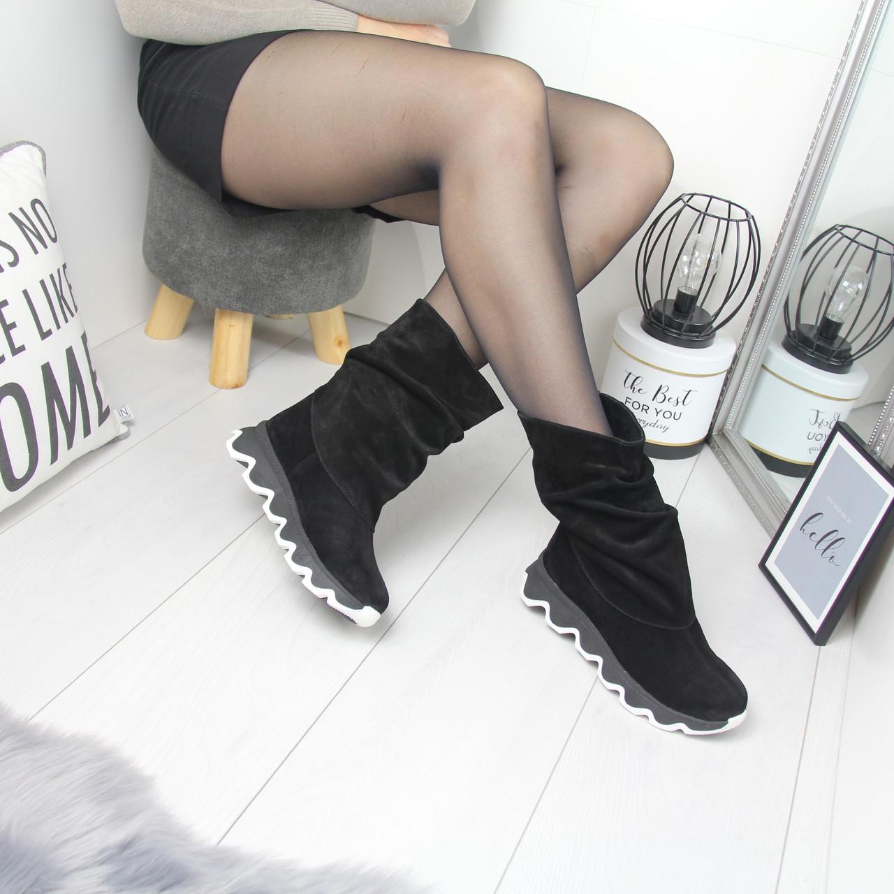Натуральные замшевые женские ботинки демисезонные  74OB49