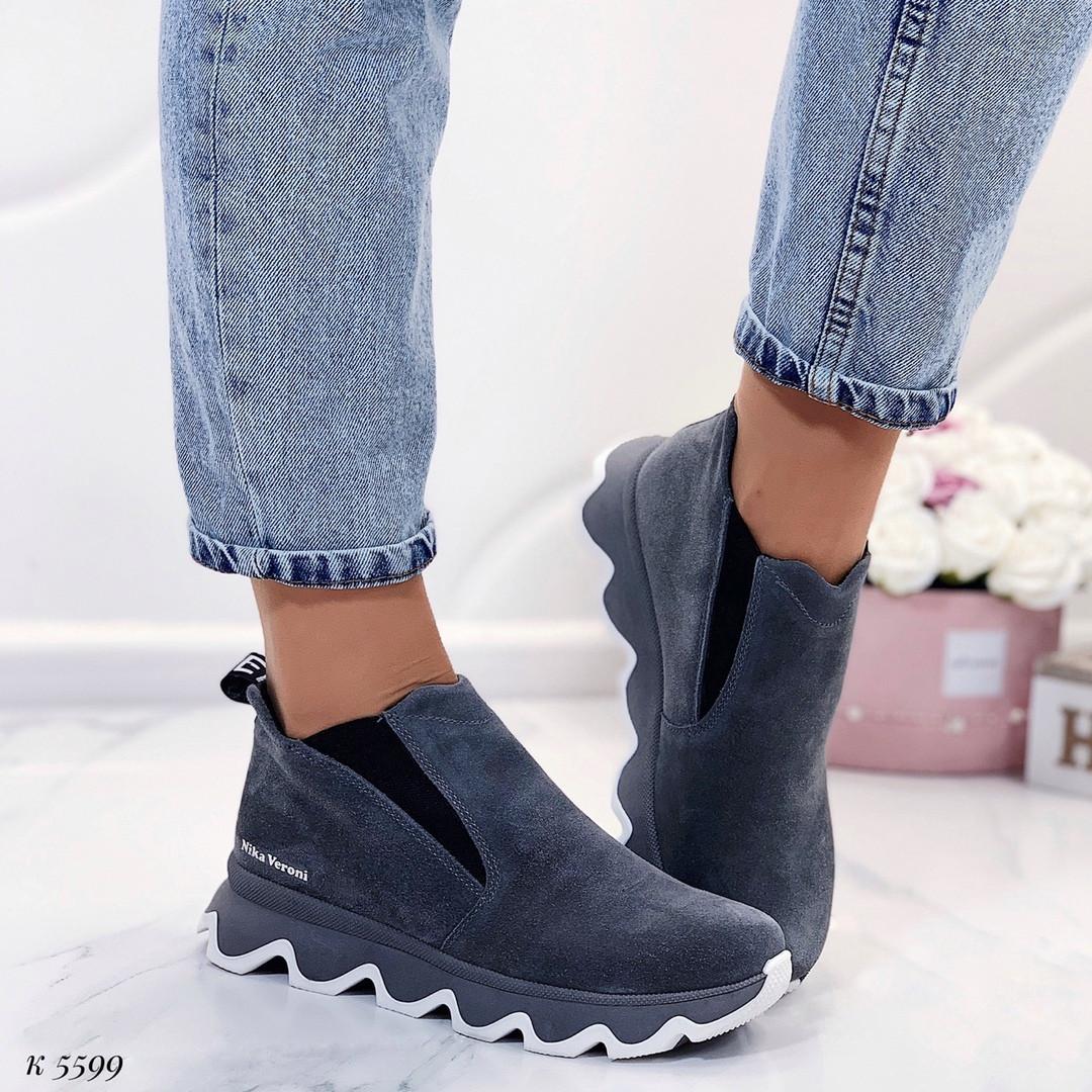 Короткие ботинки на платформе