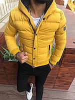 Куртка мужская стеганная зимняя желтого цвета с капюшоном