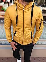Куртка мужская осенне-зимняя желтого цвета с капюшоном