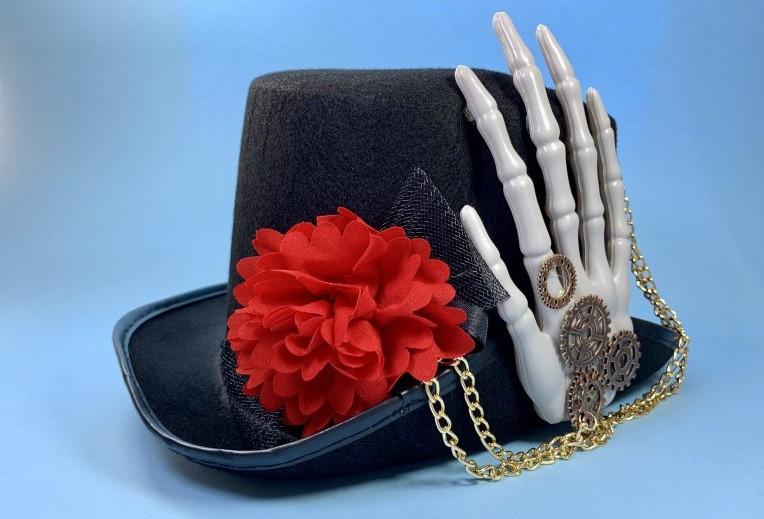 Цилиндр с рукой скелета Хэллоуин