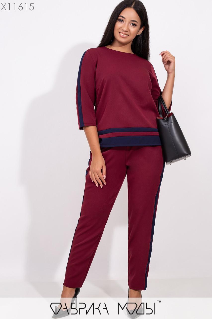 Костюм: блуза прямого кроя с круглым вырезом, брюки зауженные на резинке с лампасами X11615