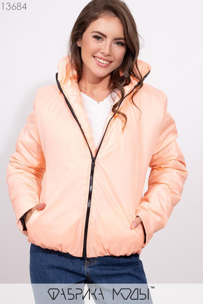 Объмная куртка на молнии с воротником стойка и резинкой по подолу 13684