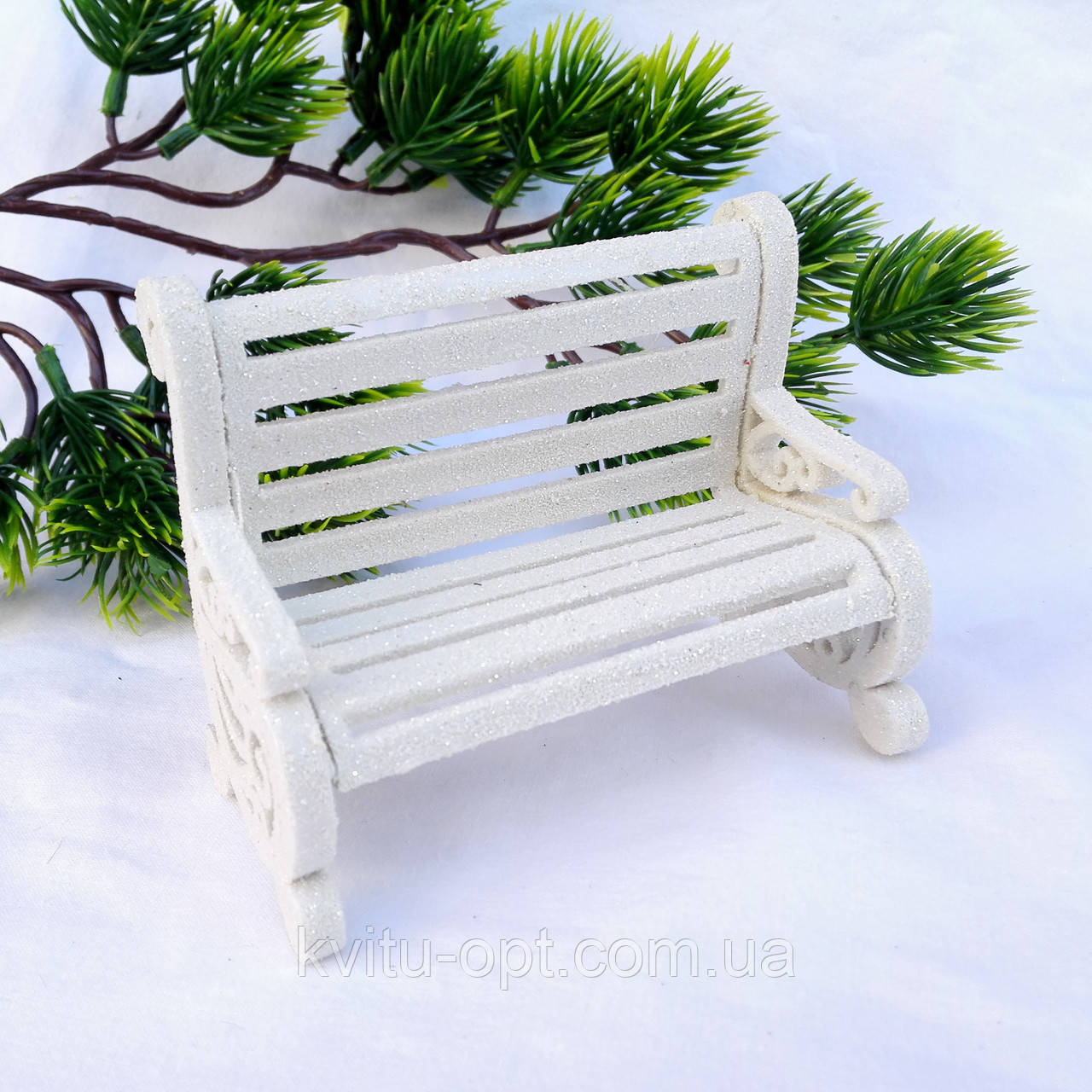 """Новогоднее украшение """"Лавочка белая"""""""