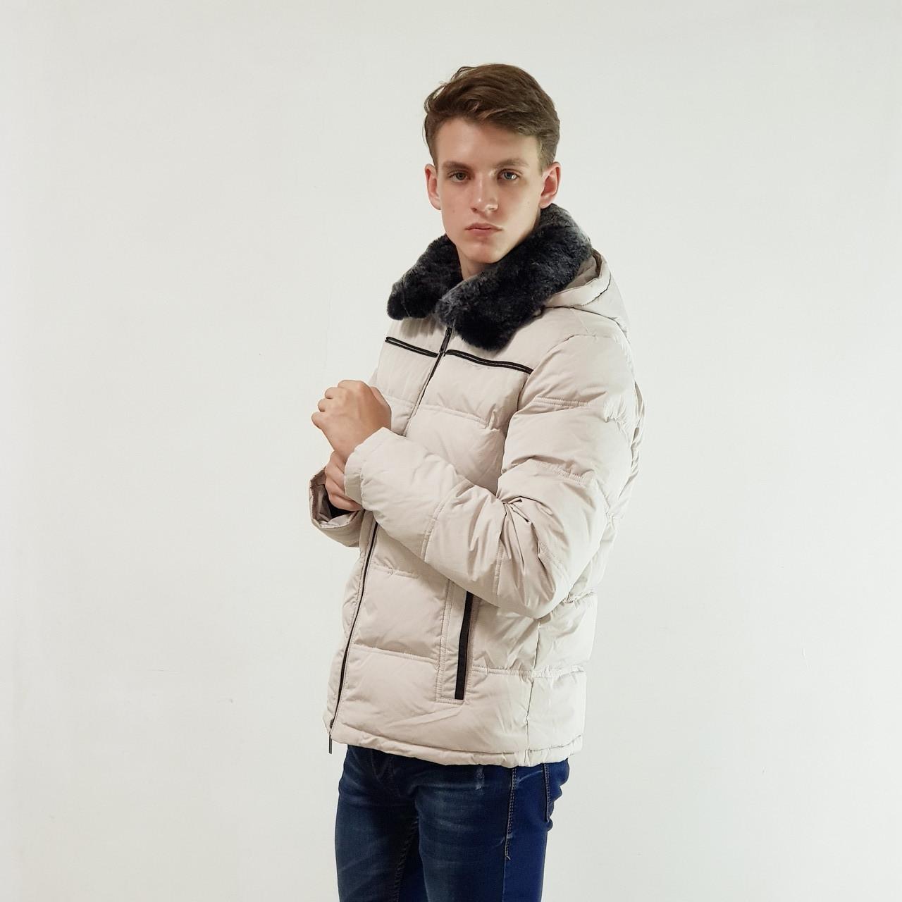 Лучший мужской пуховик Snowimage с мехом(кролик) бежевый зимний на пуху с капюшоном, скидки