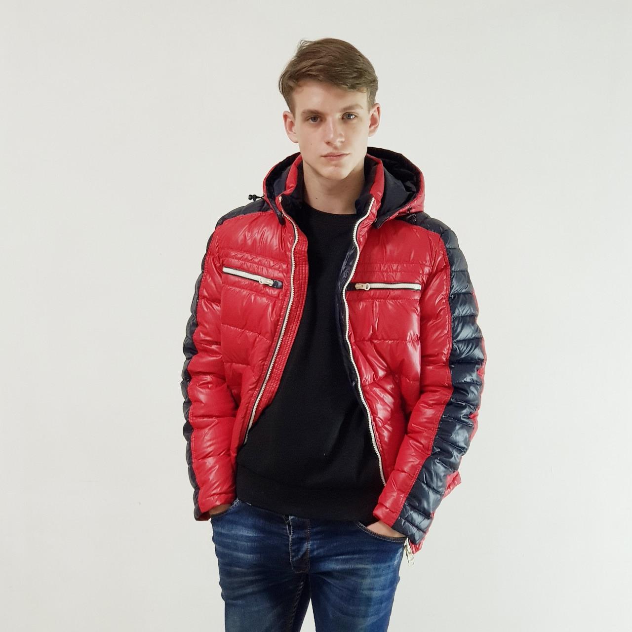 Легкий пуховик мужской Snowimage красный зимний на пуху с капюшоном, распродажа