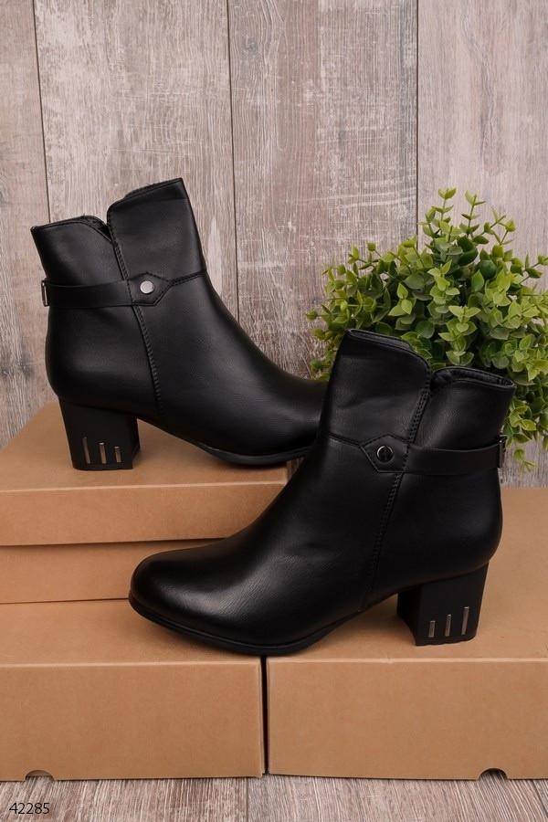 Женские осенние ботинки на каблуке 5,5 см черные эко-кожа