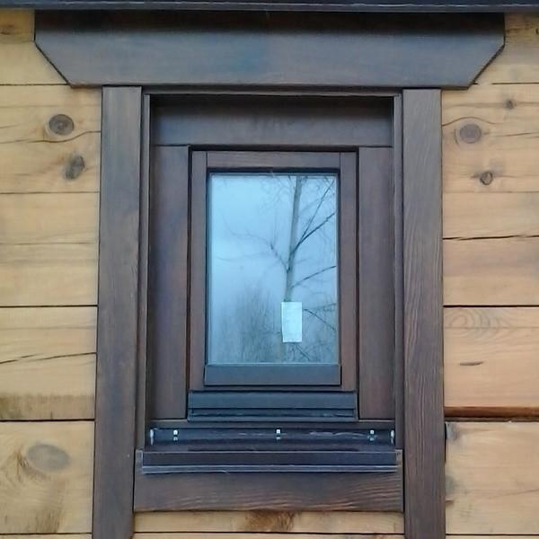 Деревянное окно из евробруса (сосна) 500х500