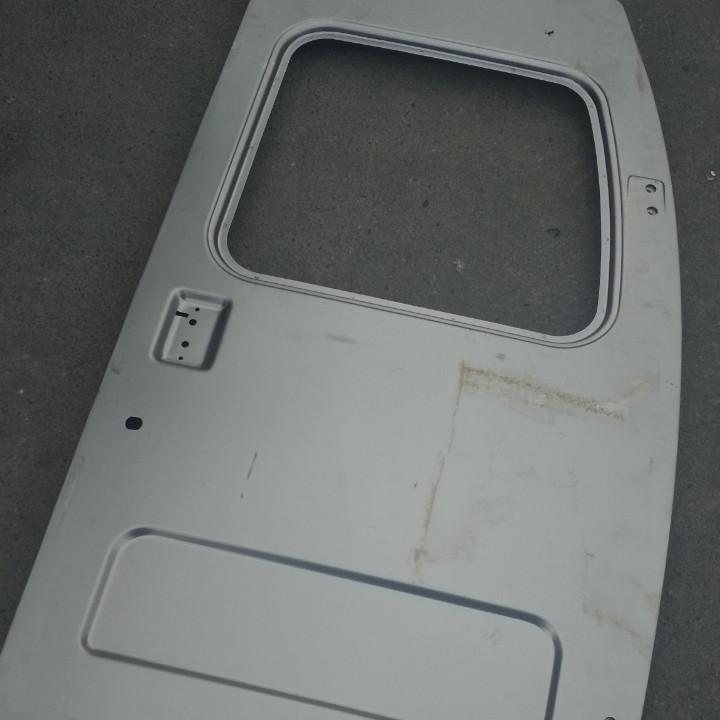 Правая дверь задка ГАЗ 2705, 3221 с окном 2705-6300014-20