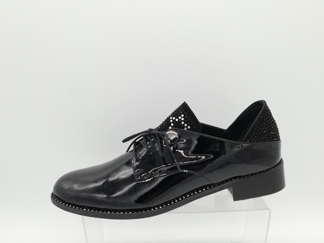 Туфли кожаные лаковые на низком каблуке, большие размеры ( 40 - 42). Турция.