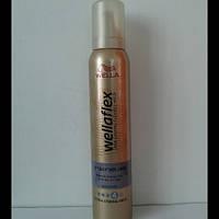 Мусс для волос Wellaflex 200 мл. (Велла объем до 2 дней № 4 )