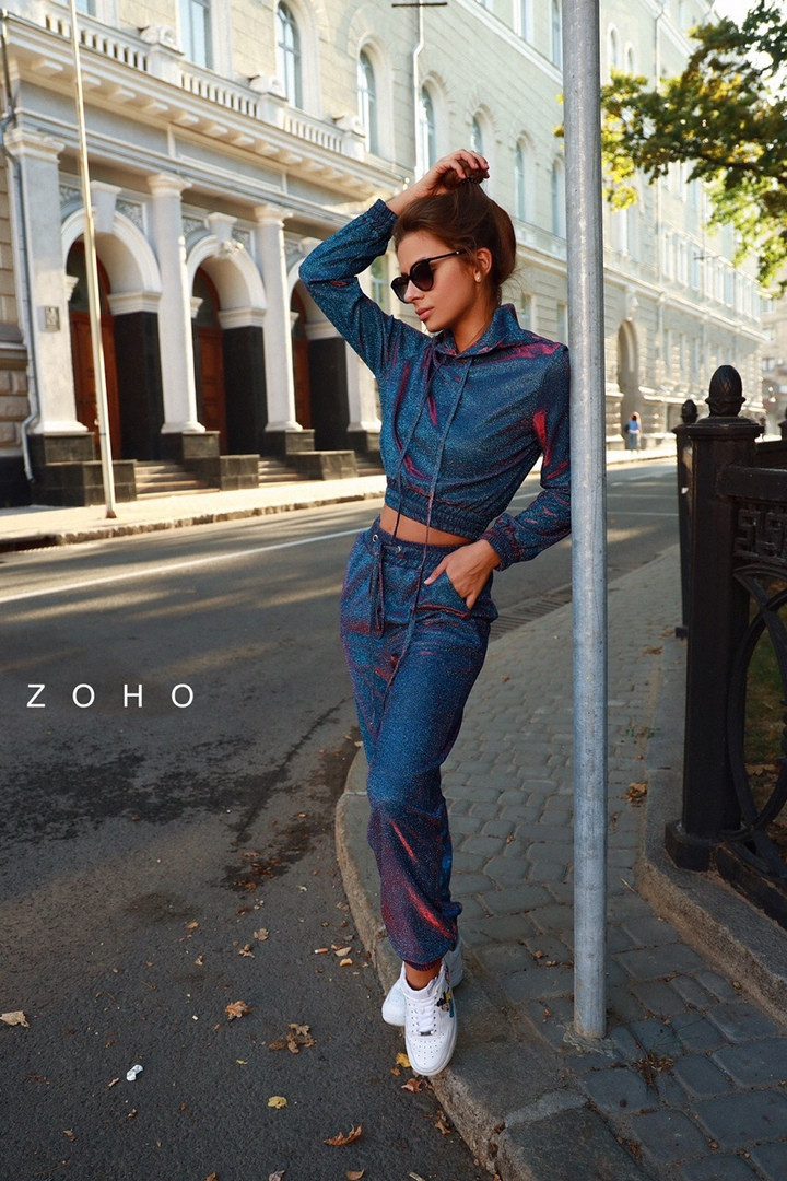 Женский спортивный костюм из люрекса хамелеон с укороченным худи vN3578