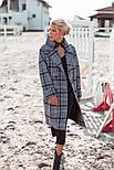Женское пальто оверсайз в клетку с широкими рукавами и длиной миди vN3614, фото 2