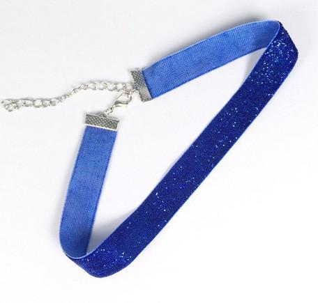 Синий чокер на шею мода 2019