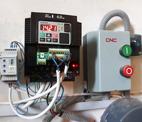 Система управления вакуумным насосом на базе преобразователя частоты HITACHI на ферме. 4