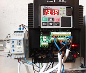 Система управления вакуумным насосом на базе преобразователя частоты HITACHI на ферме. 5