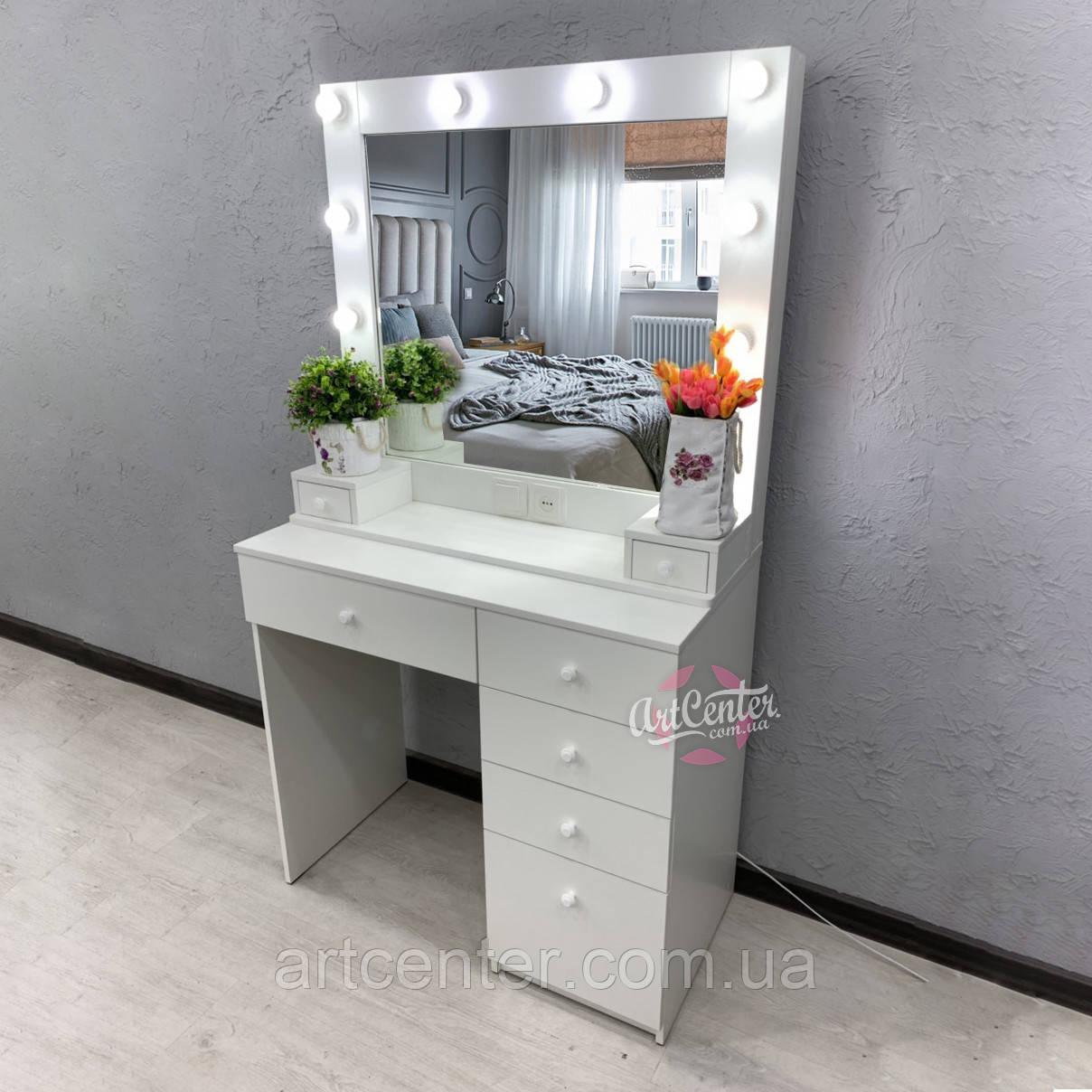 Стол для визажиста, туалетный столик белого цвета