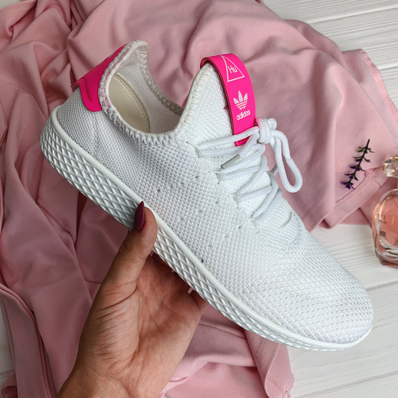 Кроссовки женские Adidas Pharrell Williams (реплика) 30775 ⏩ [ 41<<Последний размер>> ]