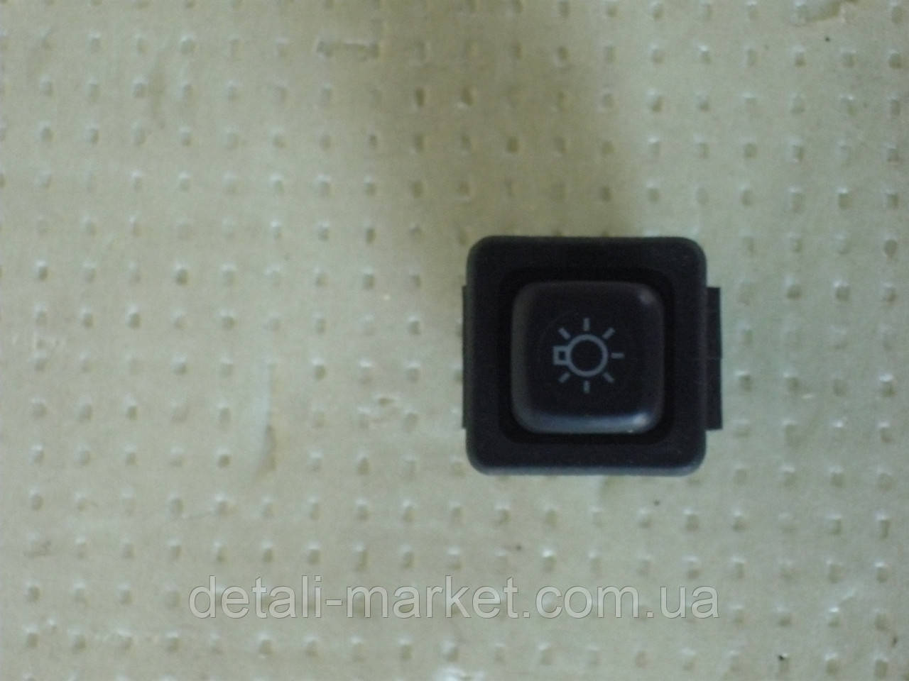 Кнопка включения габаритов АЗЛК 2141