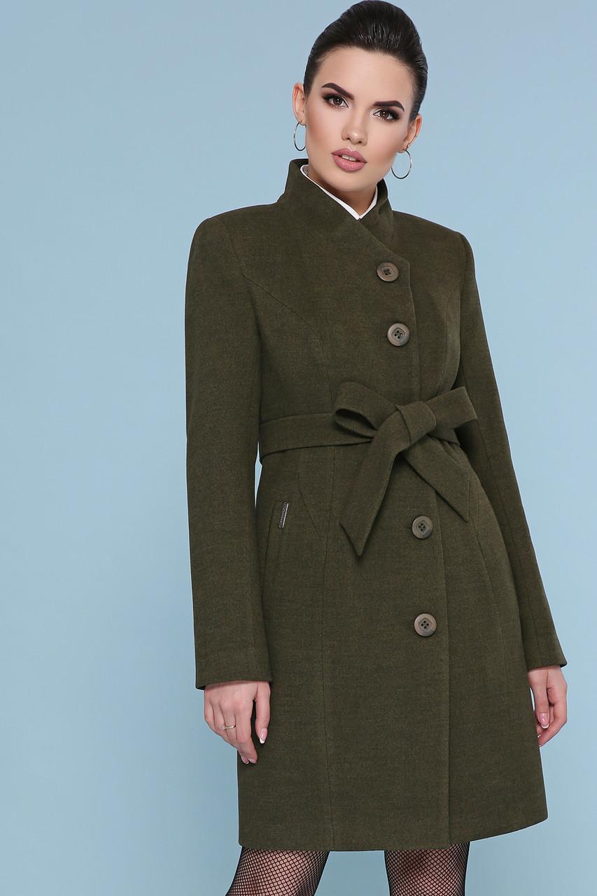 Женское короткое зеленое пальто без воротника с пояском Пальто П-333