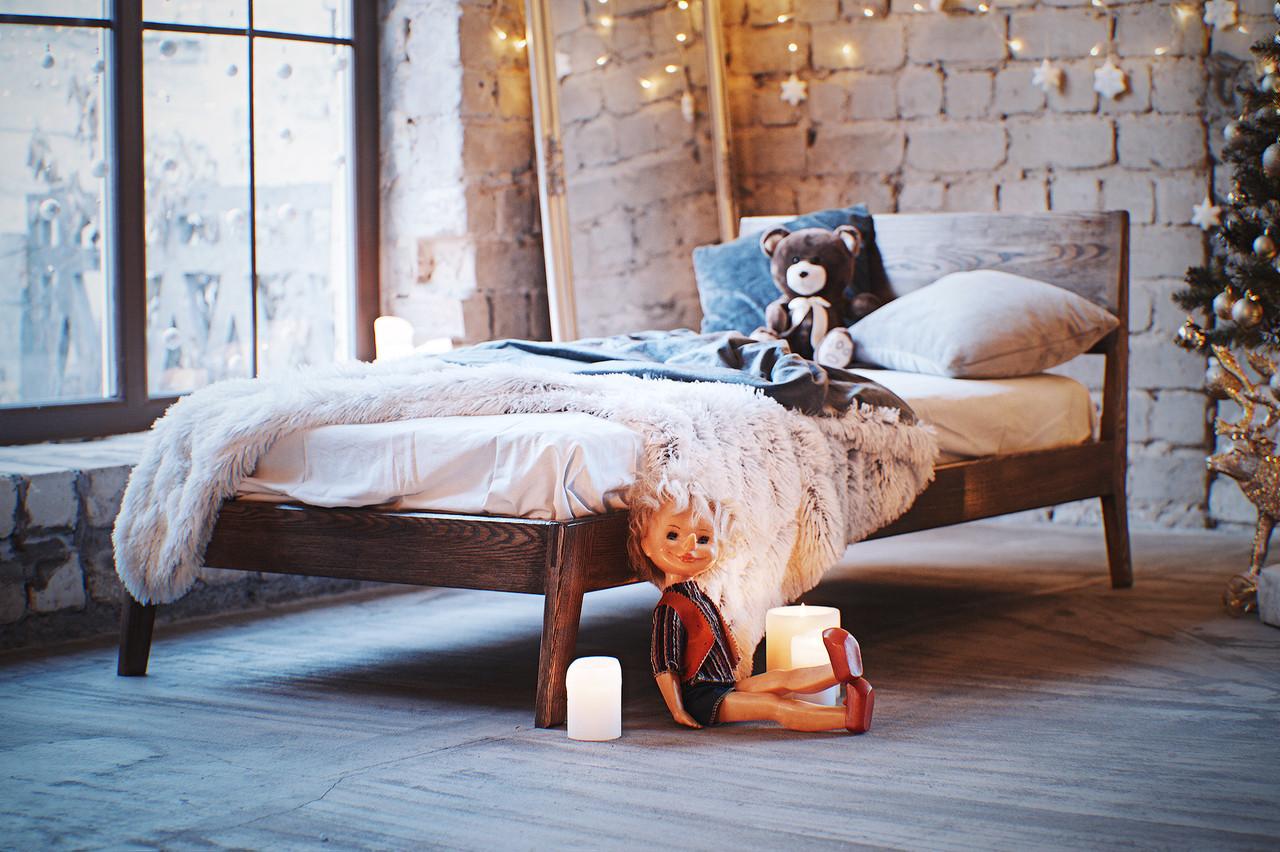 Детская кровать из натурального дерева
