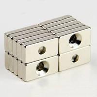 Неодимовый магнит прямоугольный с отверстием для потайного винта 20х10х3 отверстие D6,5/3мм