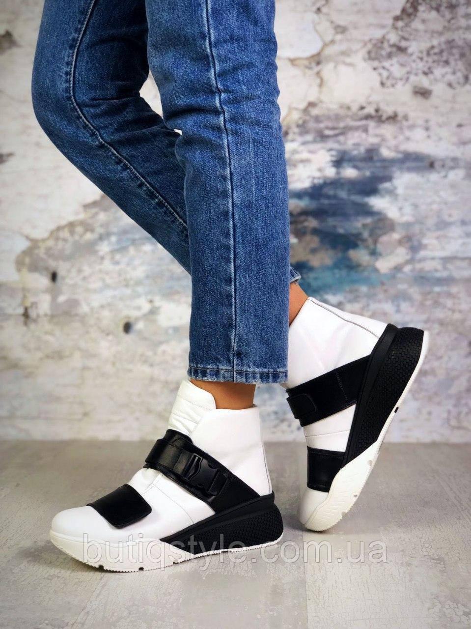 37,.40 размер Женские белые ботинки с черным натуральная кожа Деми