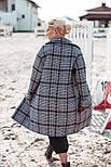 Женское пальто оверсайз в клетку с широкими рукавами и длиной миди vN3614, фото 4