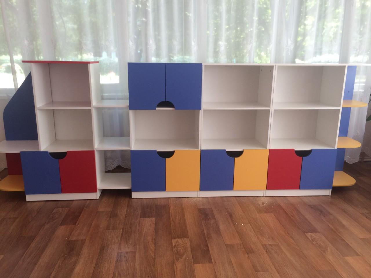 Стенка детская для игрушек Design Service Паровозик-1 (1149)