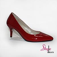 Лаковые красные женские туфли