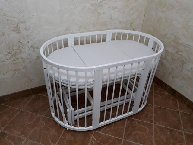 Детская кроватка белая с матрасиком трансформером и маятником