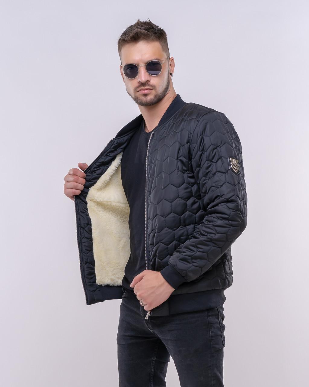 Стильна молодіжна чоловіча куртка-бомбер з стьобаною плащової тканини з підкладкою з штучної овчини