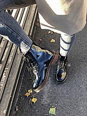 Женские лакированные ботинки в стиле Dr. Martens 1460 Black Lacquered черного цвета, фото 2