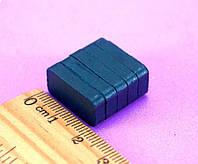 Магнит ферритовый 20х10х4мм (прямоугольная форма) Выдерживает вес до 0,12 кг.