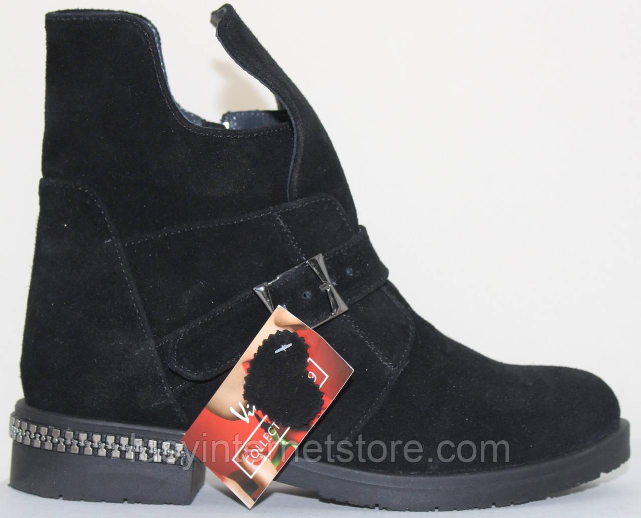 Ботинки черные женские замшевые демисезонные на низком каблуке от производителя модель СВ833