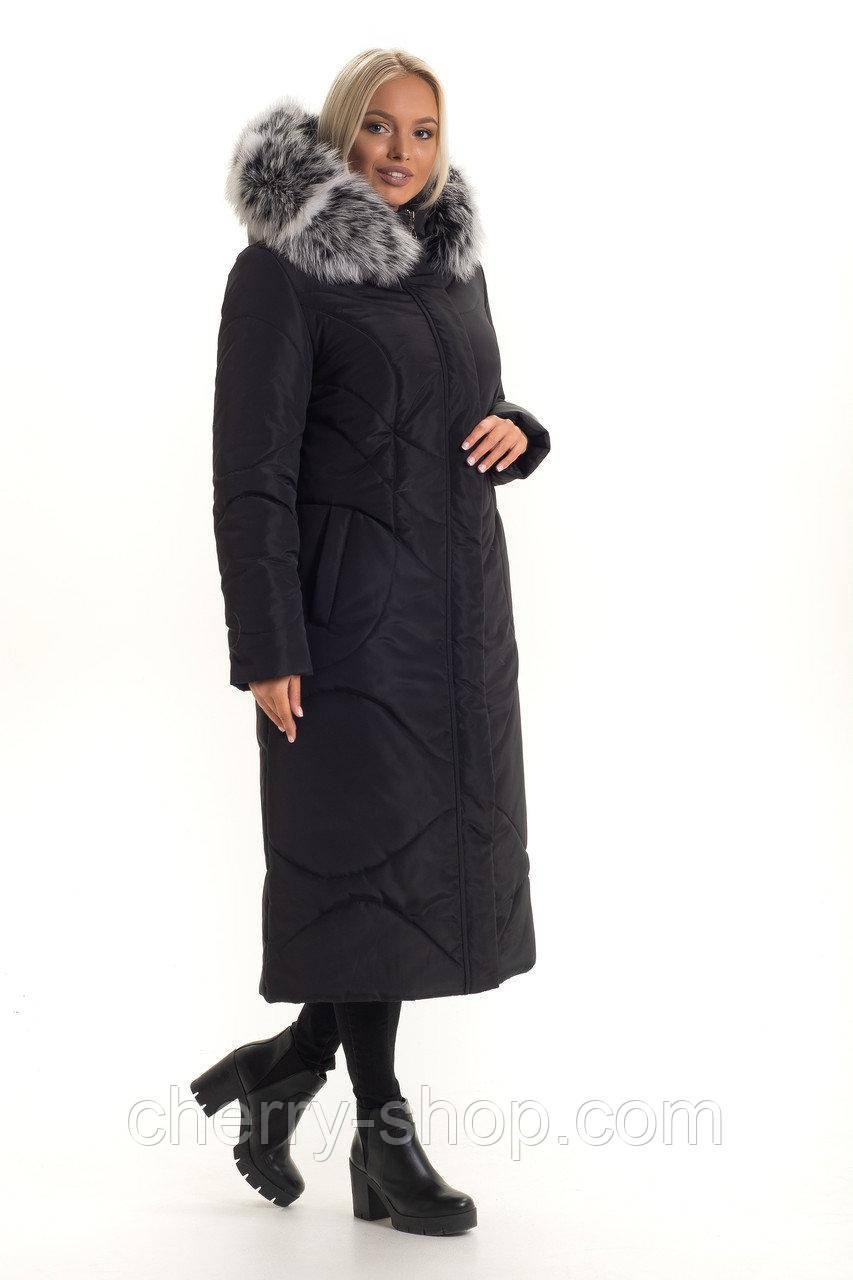 Женский длинный пуховик черного цвета с натуральным мехом