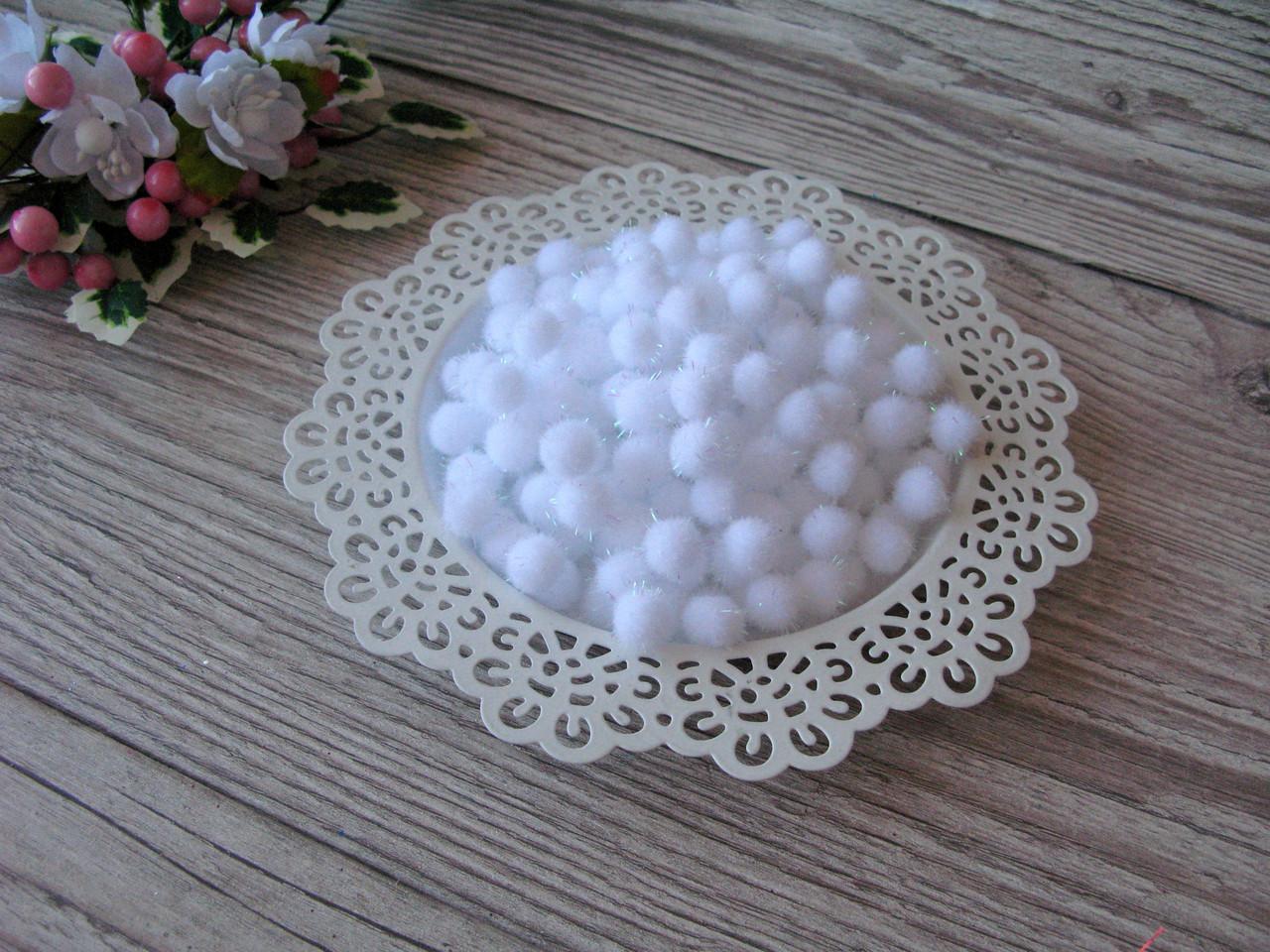 Помпоны - шарики белые с люрексом D - 1 см, 100 шт - 20 грн