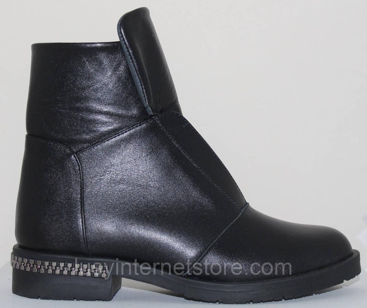 Ботинки женские зимние кожаные на низком каблуке от производителя модель СВ869