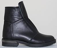 Ботинки женские зимние кожаные на низком каблуке от производителя модель СВ869, фото 1