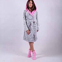 Теплый пушистый халат с капюшоном, под пояс средней длины, с рукавом длинным, размер 44-46, 48-50.