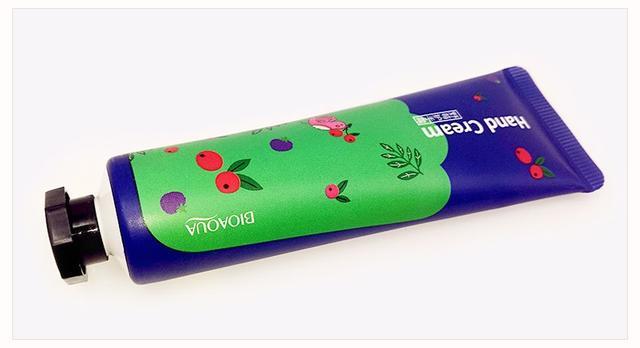 BIOAQUA Hand Cream Wild Berry