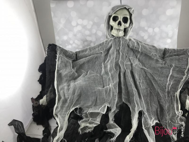 Подвеска череп зомби в лохмотьях 80*55 см декор для вечеринки Хеллоуина