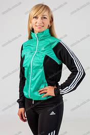 Костюмы женские спортивные