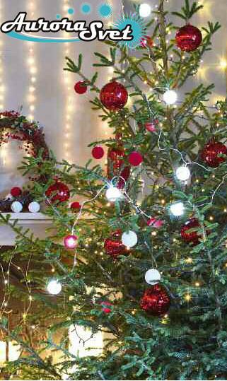 LED гирлянда от AuroraSvet 18 (9 белых+9 красных) бархатных шариков.  Светодиодная гирлянда. Гирлянда LED.