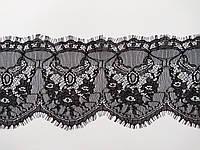 Ажурное французское кружево шантильи (с ресничками) черного цвета шириной 14 см, длина купона 2,9  м.