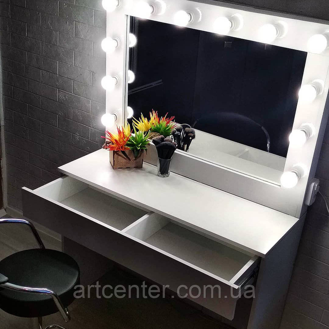 Визажный стол с ящиком и разделителями внутри