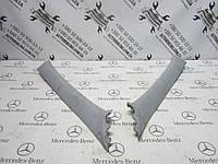 Накладка на переднюю верхнюю стойку Mercedes-Benz W211 E-Class