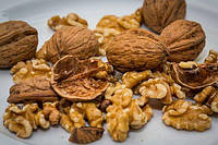 Чем подкормить грецкий орех, чтобы он давал богатый урожай